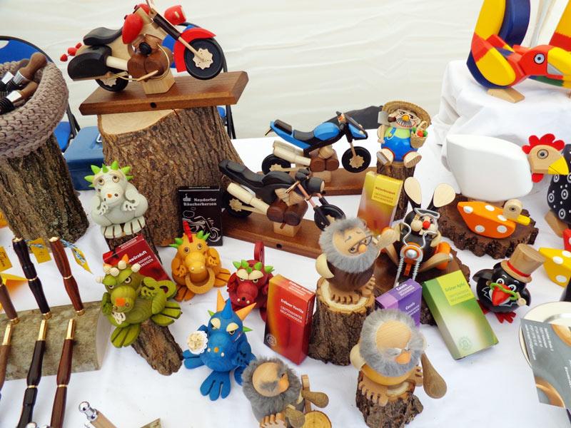 Räucherfiguren aus Holz
